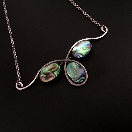 Na vlnách duhy - náhrdelník, chirurgická ocel