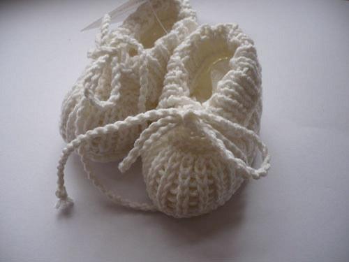 Kojenecké bačkůrky - bílé 0-3 měs