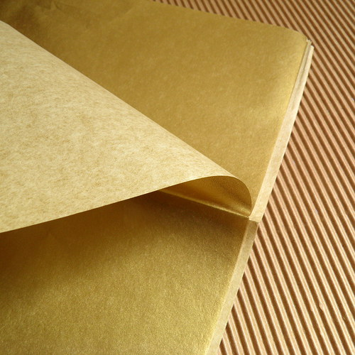 Hedvábný papír zlatý