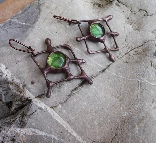 kovové náušnice k mým náhrdelníkům