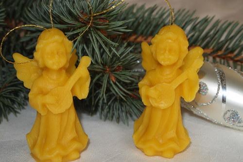 Svíčky a ozdoby ze včelího vosku - anděl s kytarou