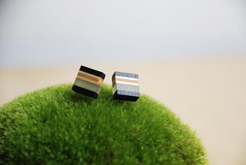 Black Frame / náušnice XS / v pistáciové