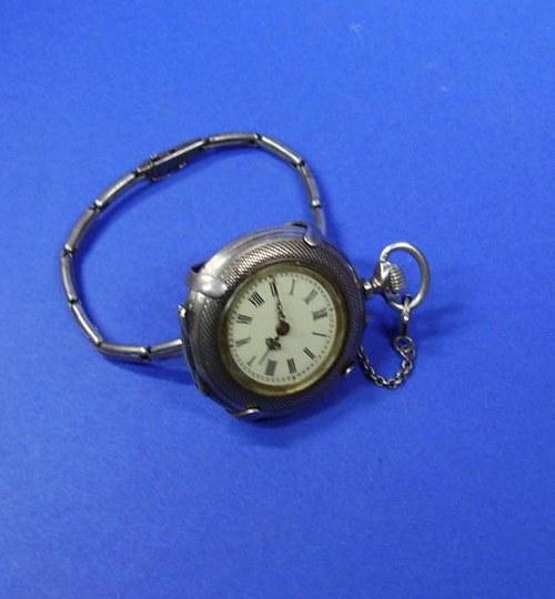Veľmi pekné a zachovalé dámske hodinky, striebro.