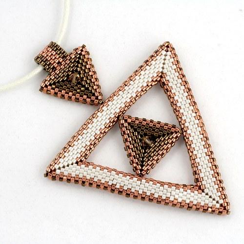 Přívěsek - trojúhelník v trojúhelníku