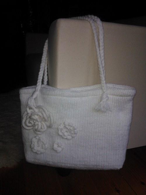 Bílá pletená kabelka