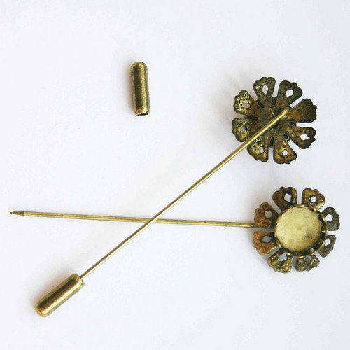 lůžko se špendlíkem - brož bronz