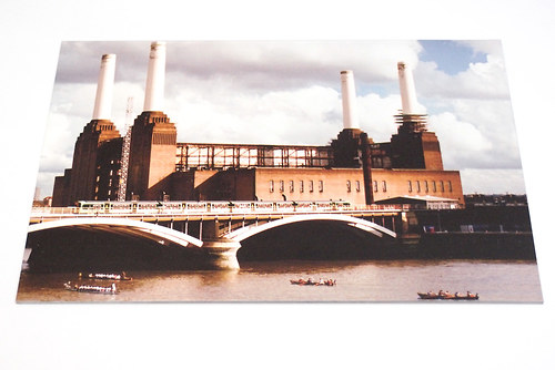 Battersea Power Station - plechová cedule