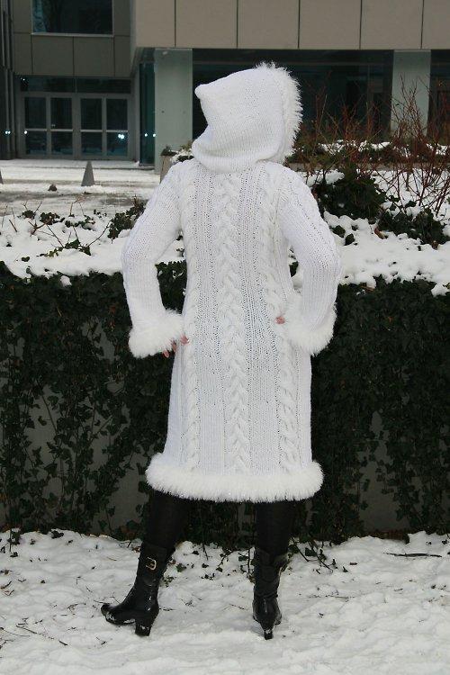 POPIS - NÁVOD NA PLETENÝ KABÁT SNOW QUEEN