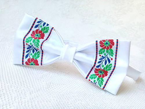 Slovak folklore bow tie (white)