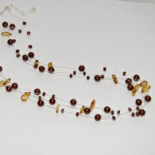 Jemný hnědý náhrdelník