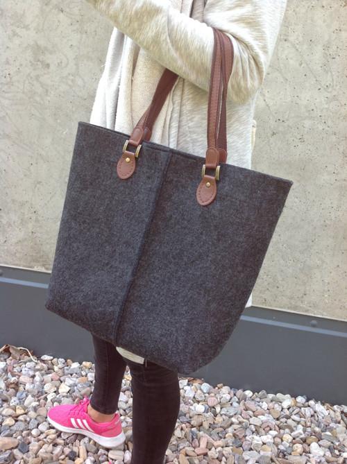 Dark grey kabelka