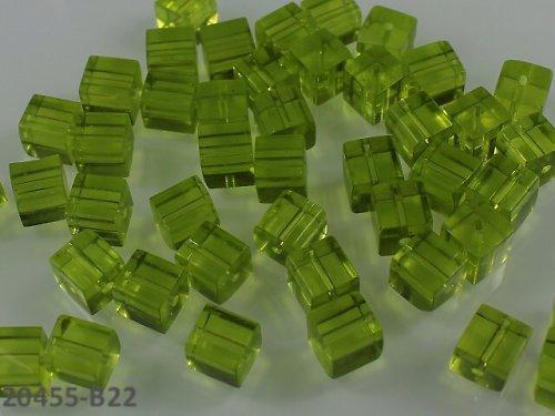 20455-B22 Korálky kostky sklo ZELENÉ bal.10ks
