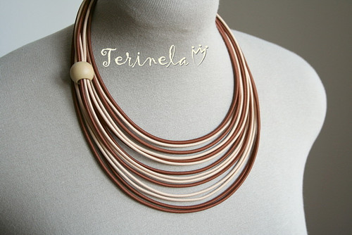 Náhrdelník Oříškově ©  design Terinela