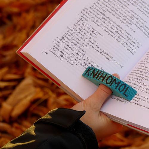 Záložka palcovka - knihomol