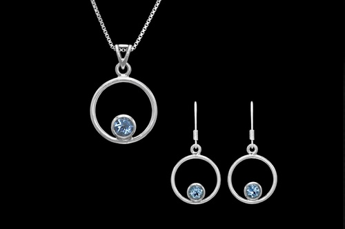 Stříbrný set s modrými topazy