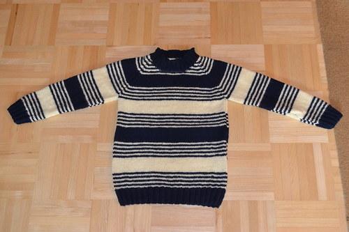 Teplý zimní svetr pro kluky