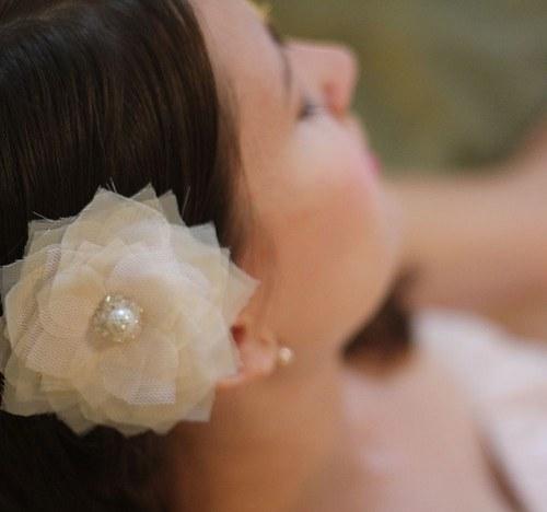Svatební šifónový květ do vlasů