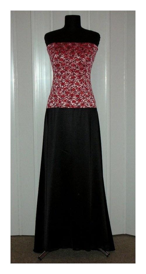 Dlouhé šaty se sníženým pasem
