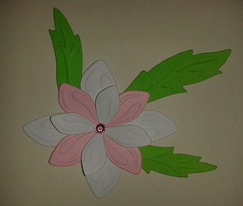 Skládaná kytička - bílorůžová