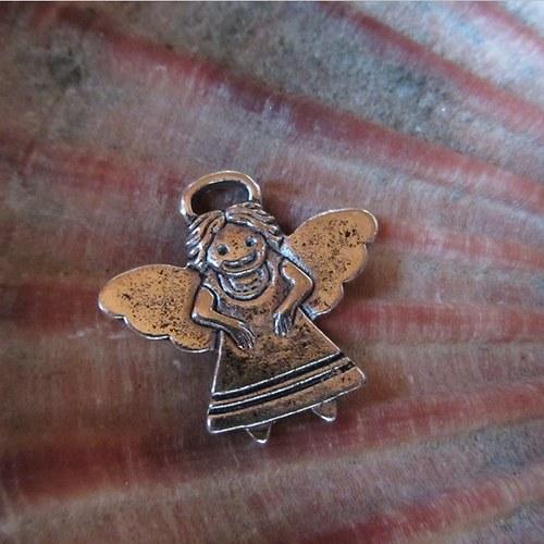 Andělka - kovový přívěsek