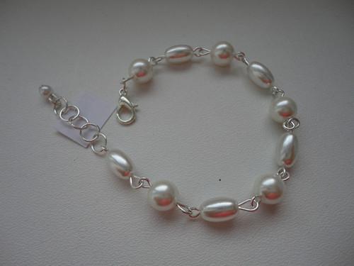 Náramek bílý perlový