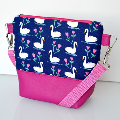 Dívčí kabelka Labutě