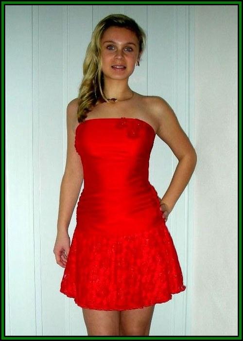 Červené krátké šaty