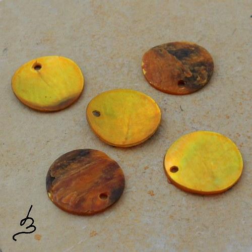 Penízky perleťové žluté