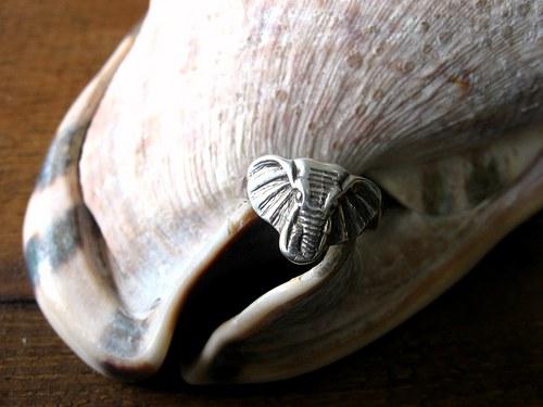 Elephant - starostříbrný prsten.