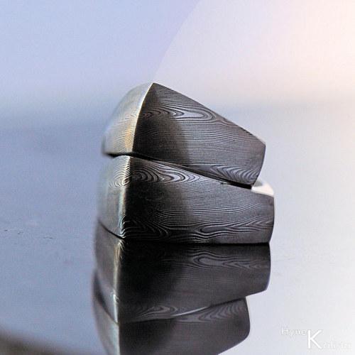 Kovaný snubní prsten damasteel  - Rhino