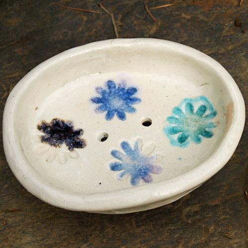 Mýdlenka -  květiny ve skle