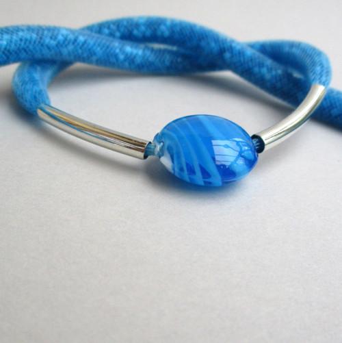 Dutinkový náhrdelník modrý