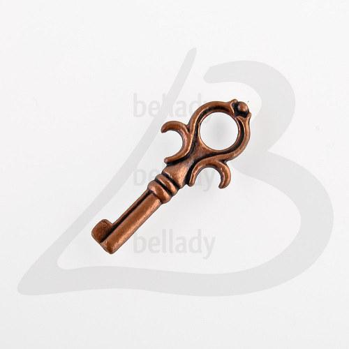 PRI820, PRÍVESOK Kľúč 25.5x11mm MEDENÝ /4ks