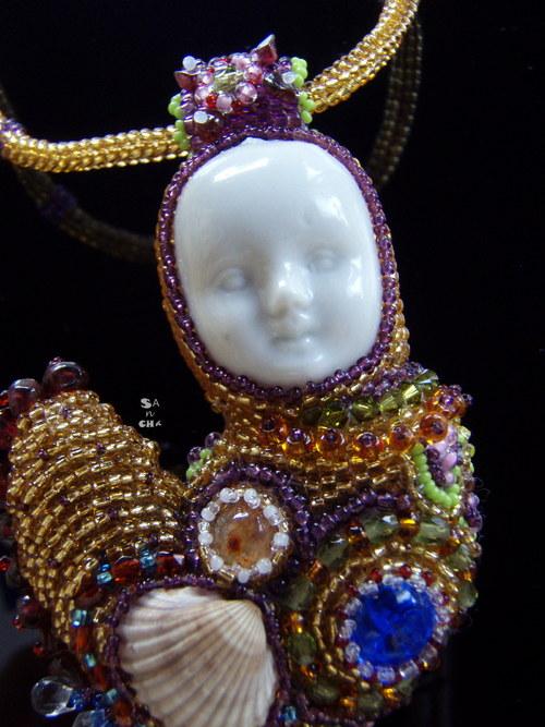 náhrdelník Spousta práce