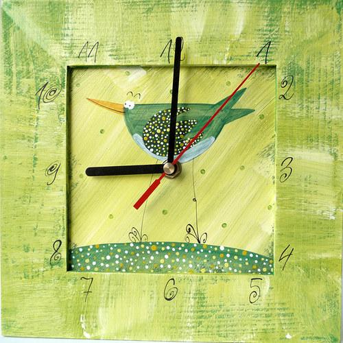 hodiny s velkou kukačkou - zelené s ptáčkem