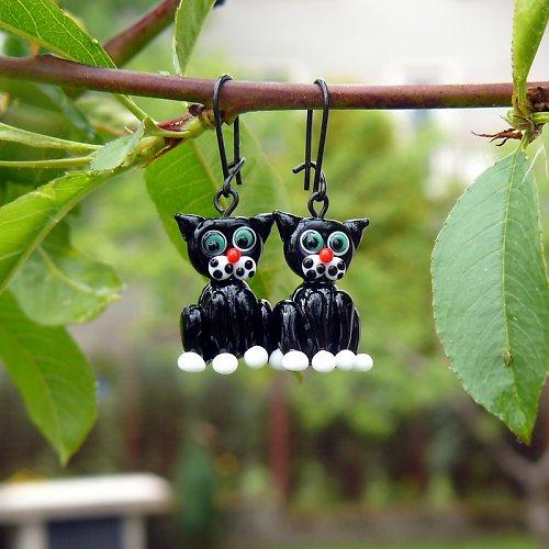 Náušnice černé kočky - vinuté perle
