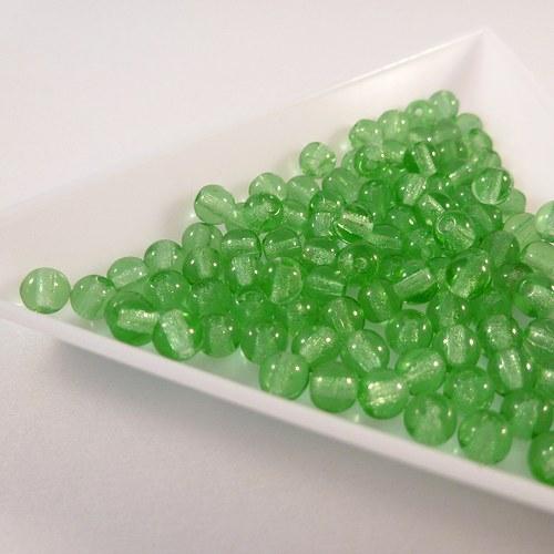 Kuličky 4 mm zelené světlé 100 ks