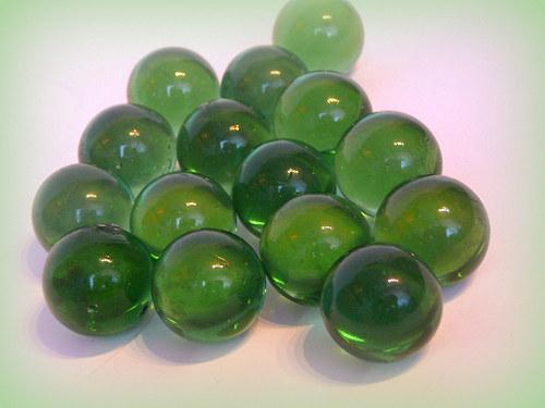 Skleněné kuličky zelené.