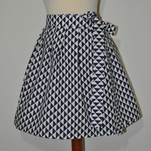 Zavinovací sukně - černobílá