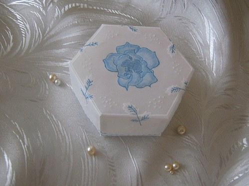 Krabička s modrou růží