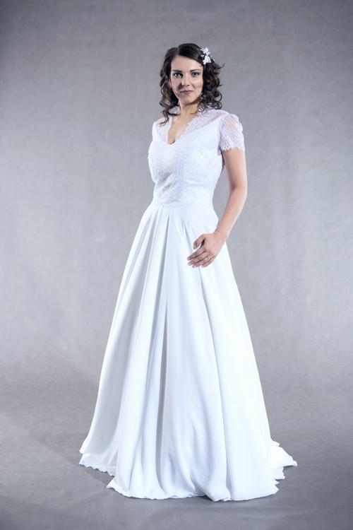 Svatební šaty s kolovou sukní