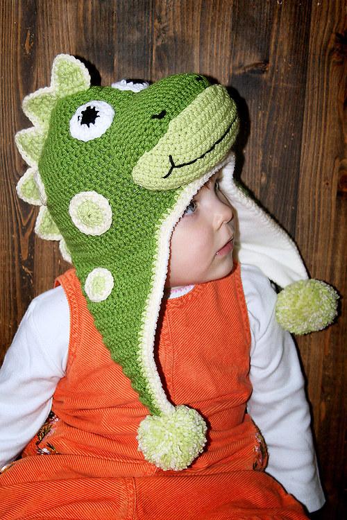 Háčkovaná ušanka Dinosaurus - podšitá fleecem