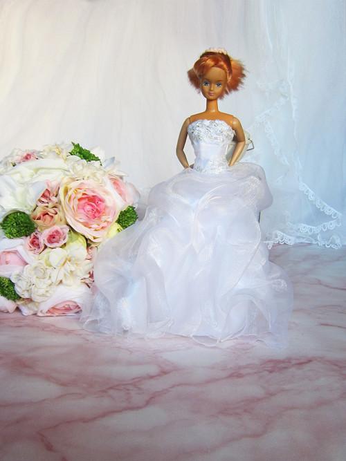 Barbie svatební šaty 02