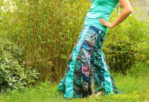 Dlouhá nabíraná sukně voda voděnka (možno i těhu)