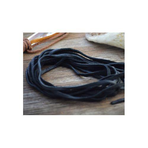 Plochý kožený řemínek 120 cm černý