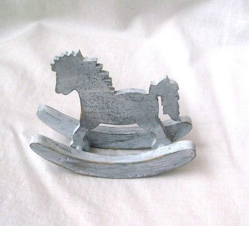 houpací kůň -šedá patina-malý
