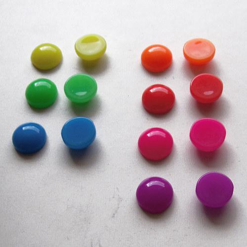 Akryl.čočka PASTEL vypouklá/ / zelená/ 12mm/ 10ks