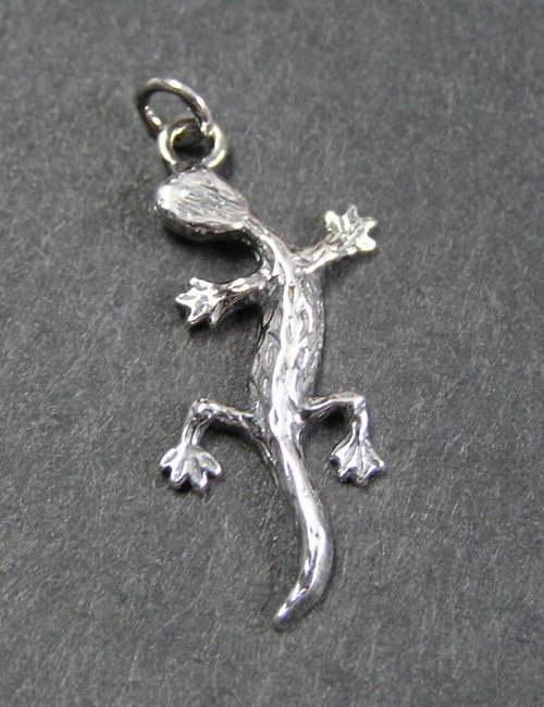 Malá ještěrka - stříbrný přívěsek