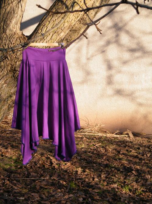 Cípatá sukně fialová