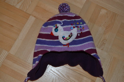 Teploučká zimní čepička laděná do fialova